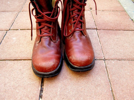 Women Hiking Boots, Vintage leather bike Shoes, Burgundy shoes from Macau