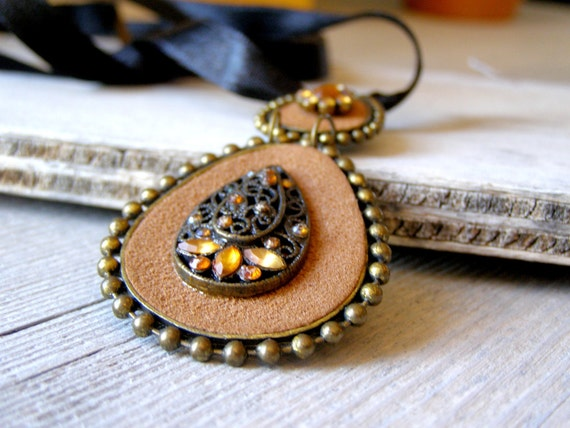 Vintage Pendant Necklace,  Boho Filigree and suede brown pendnat necklace, Hippie Drop pendant, Honey Rhinestones Necklace