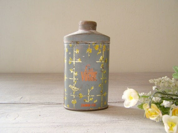 "Antique Talc powder tin, 1924 ""Zamir"" En VOGUE"