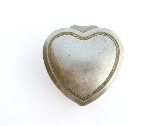 Vintage Wedding rings box, Pewter Heart Box, romantic gift, gift for loved one, retro jewelry box, graduation gift