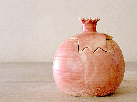 Vintage ceramic Pomegranate dish in pink