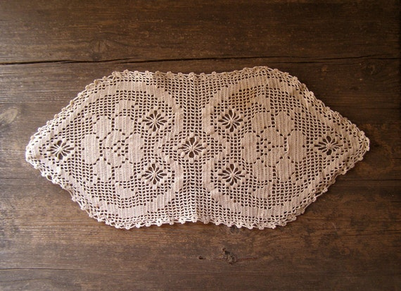 Crochet Table Runner, Hearts oval Tablecloth Listed by meshuMaSH on Etsy