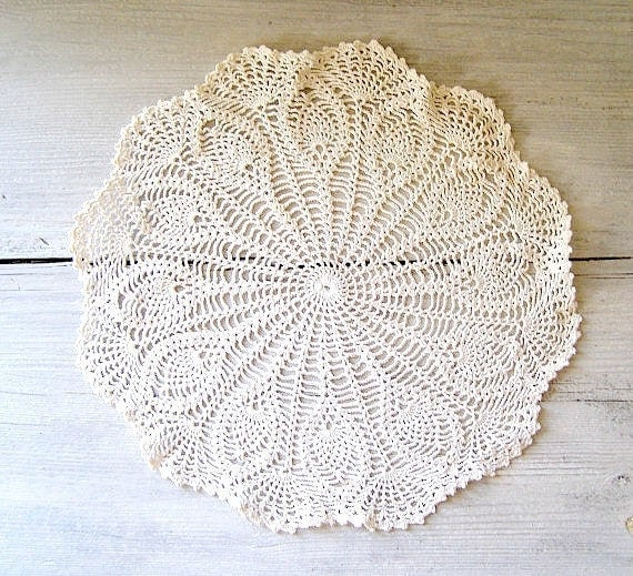 Crochet Doily, Circle tablecloth Listed by meshuMaSH on Etsy