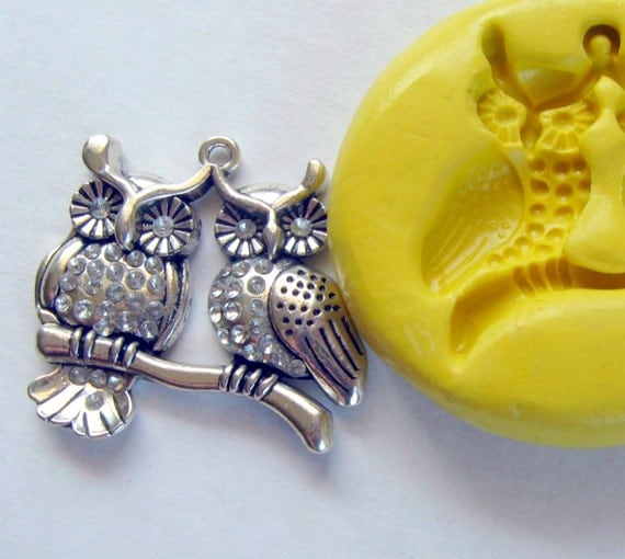 Mold of two owls with bail hole  -   silicone mold for any crafts, jewelry making, FIMO, Sculpey, wax, soap..