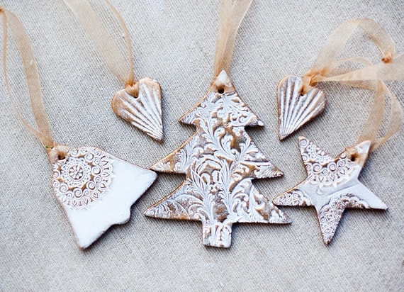 SALE Christmas Gift set of 5 decoration ornaments in white lace texture with Gold varnish Holiday decor tree star bell hearts