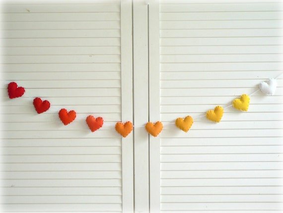 Summer Sunset heart banner/ garland/ bunting - Felt hearts in red, orange, yellow and white - children decor - MADE TO ORDER