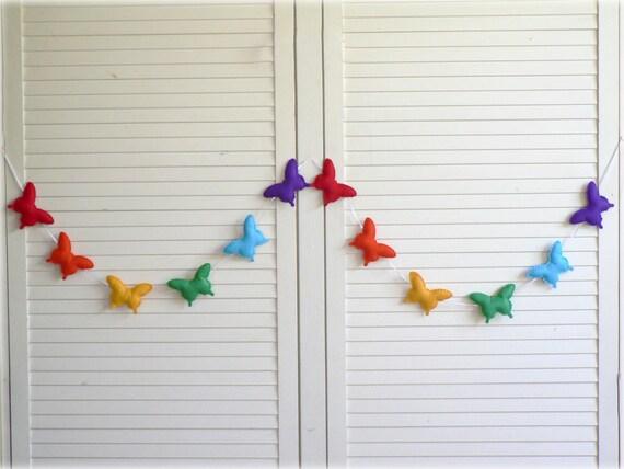 Rainbow butterfly banner/ garland/ bunting - Felt butterflies - Nursery decor - Rainbow birthday decoration - MADE TO ORDER