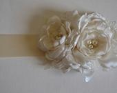 Bridal Sash - Three Flower Sash - Cream and Ivory, Flower Sash, Fabric Flowers, Satin and Lace Flowers, Ivory, Cream, Ivory Sash
