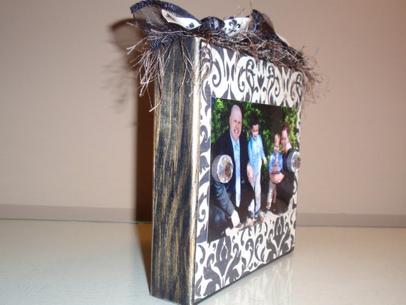 Black & Cream Damask Photo Block with Fleur De Lis Ribbon and Jewel Magnets in 4 x 6 Size