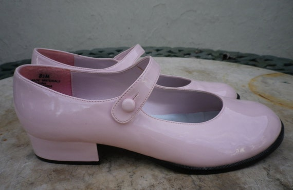 Cotton Candy Pink Vintage Patent Mary Janes 8.5M Like New Le Chataeu brand RARE
