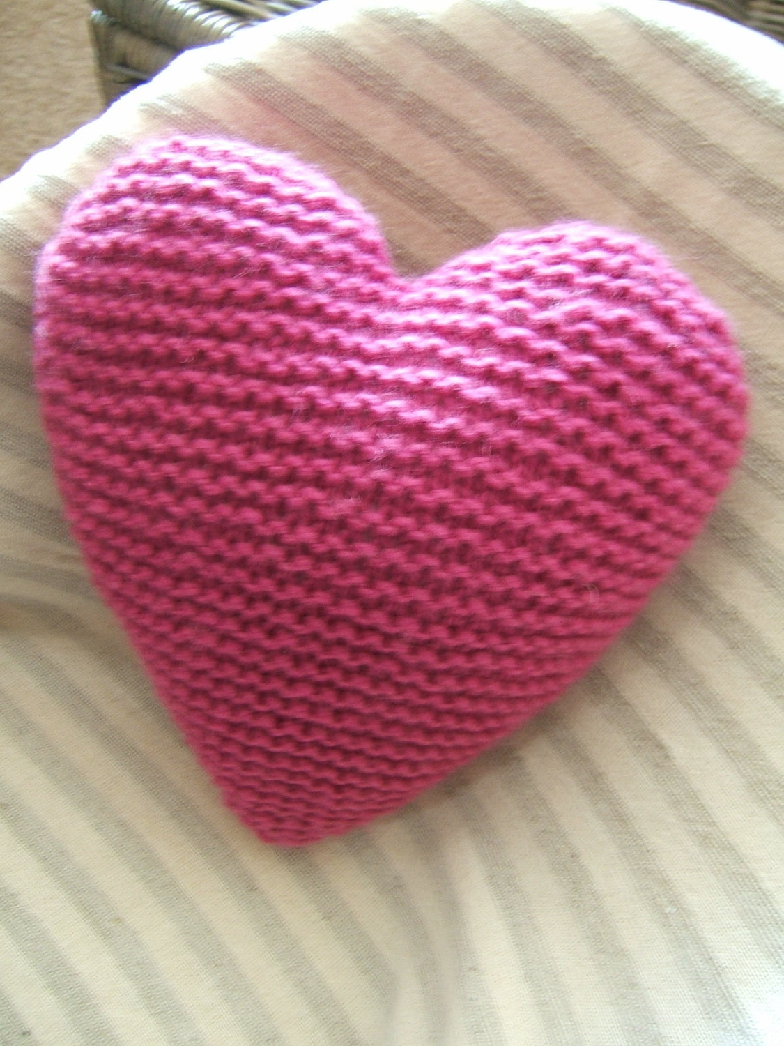 Knitting Pattern Heart Cushion : Knitted Heart Cushion / Pillow / Woollen / Medium