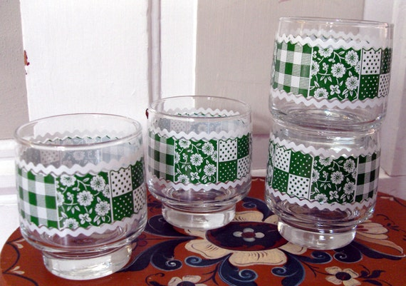 Kelly Green and White Gingham Tumblers