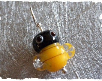 Buzz the Bee stitch marker