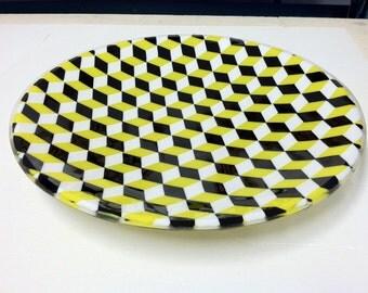 Glass platter/plate/bowl/dish