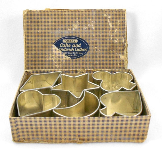 Vintage Cookie Cutters Cake Sandwich Fagley Tin Set