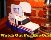 Arrested Development: The Bluth Company Staircar (Cut-and-Fold Models, Paper Dolls, Fashion Dolls)
