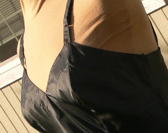 SNOWDON BLACK dacron  dress slip size 36 with side zipper