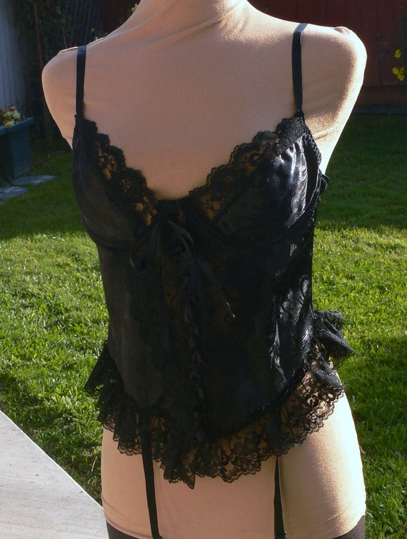 Black on black lace corset and garter size 38