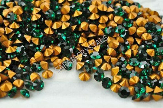 50 pcs Swarovski Crystal Rhinestones Pointed Back Chatons Emerald PP13 (ss6) 1.9 - 2.0mm
