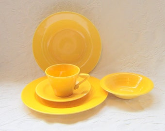 Vintage 1940 Yellow Harlequin China Yellow  Dinnerware Set 5 Piece Complete Harequin Dinner Set Plates Bowls Cup Saucer Fiestaware Riviaware