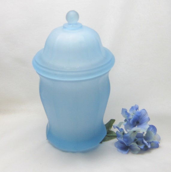 Vintage Apothecary Jar Sea Glass Blue Jar  Home Decor Vintage Blue jar Storage Display Shabby Chic Powder Room Vanity
