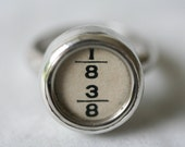 Vintage typewriter jewellery - Silver ring set with typewriter key