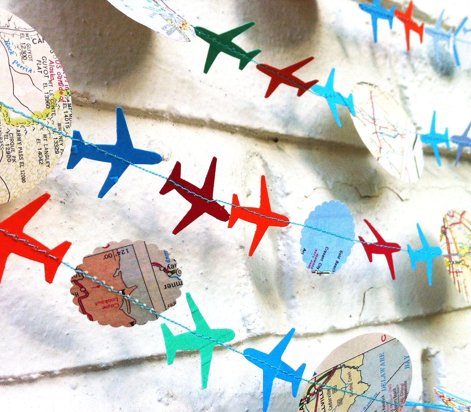 The bon voyage air plane garland paper garland blue orange for Sejour design decoration