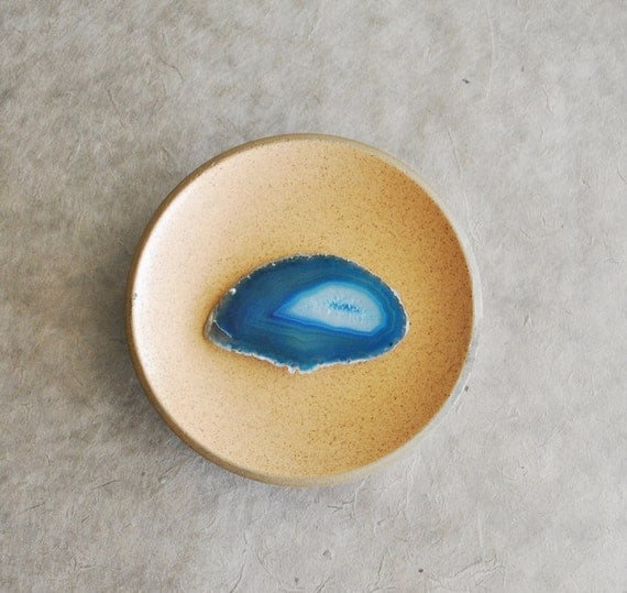 1 pc agate dyed  blue agate slice from brazil good for wire wrapping