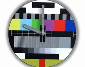 Retro TV Screen Test  Wall Clock