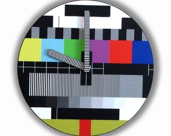 Retro TV Screen Test  Wall Clock