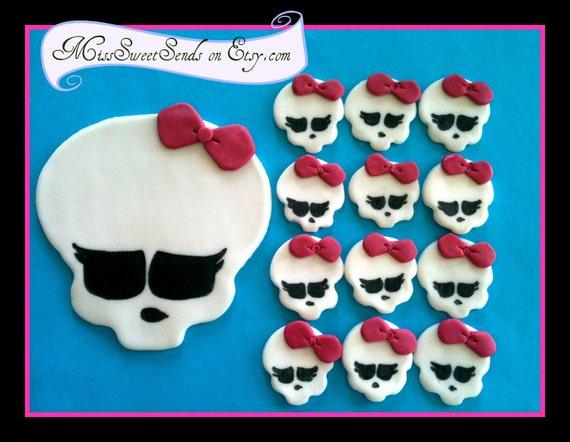 Reserved order for Marlene-1 topper 3 skulls