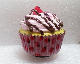 Giant Cupcake Fridge Magnet Polymer clay