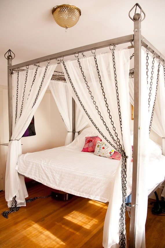 . Items similar to Kinky Chain Canopy Bed made of steel on Etsy