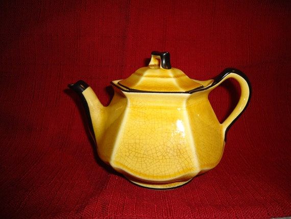 RESERVED - Beautiful 1950's Vintage Teapot