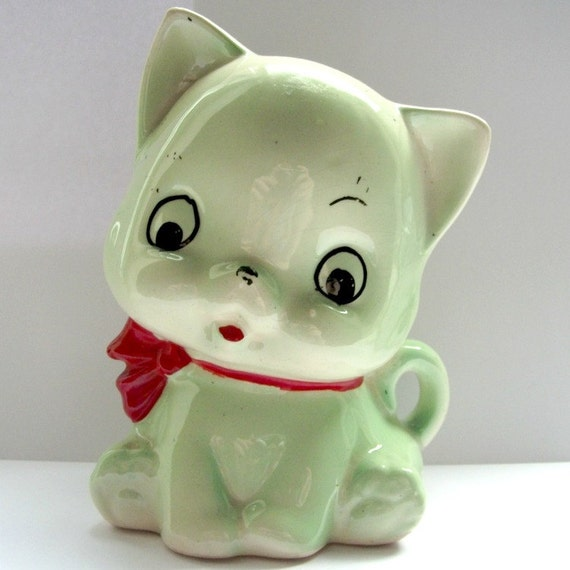 Kitsch Retro Pussy Cat Money Box Green with Cute Red Bow