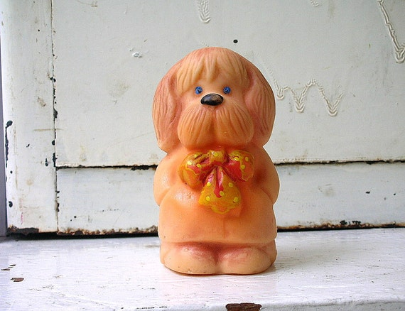 Lovely  VINTAGE rubber DOG, his name is Anton. Use him to decorate your home, collect, play.