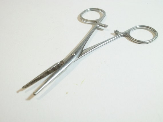MEDICAL SUPPLIES hemostat clamps,  use in altered art, shadow boxes, or collect...