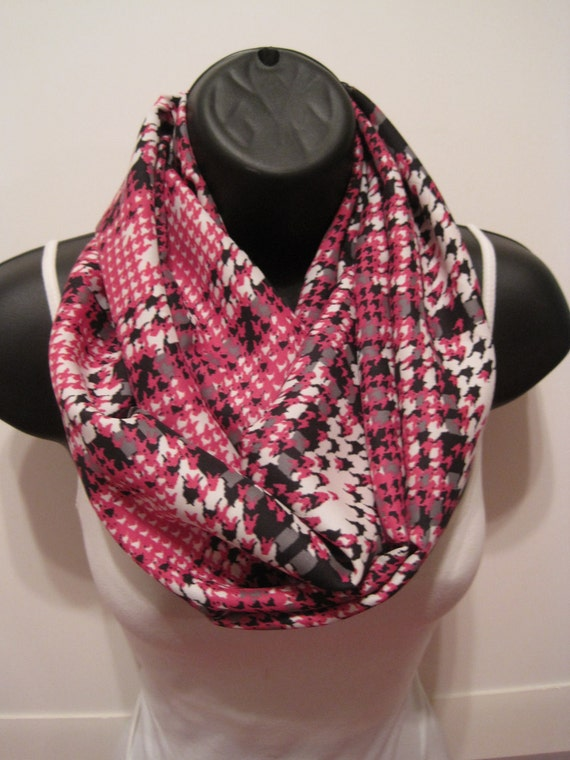New Handmade Pink, Black, Gray and White Hounds Tooth Light Weigh Infinity Scarf