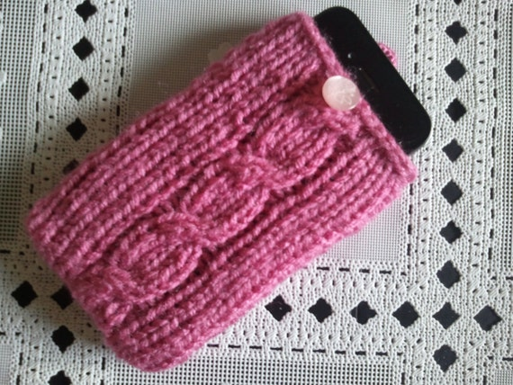 cell phone pouch, hand knit pink iphone/ipod 3G 3GS 4G case, it is decorated with button, usa seller