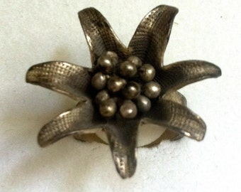 Flower ring silver nichelfree, from laos, adorable