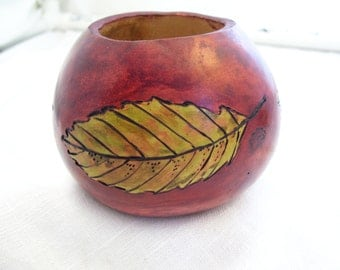 Rich Mahogany Red Gourd Yerba Mate Cup with  Elm leaf design