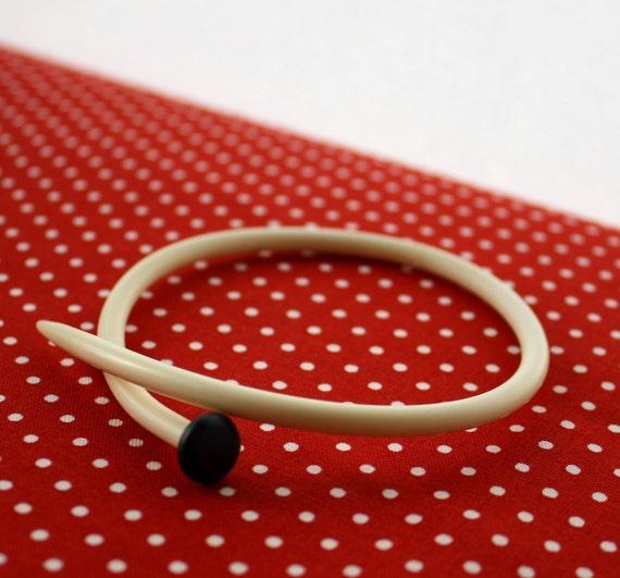 Knitting Needle Bracelet Bangle, Vintage, Recylced and Upcycled, White Size 7