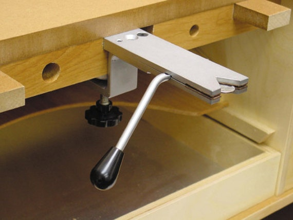 SMART VISE - Bench Vise - For Sawing - Holds Flat Metal, Coins Etc For Accurate Sawing - No-Mar Leather Lined Jaws