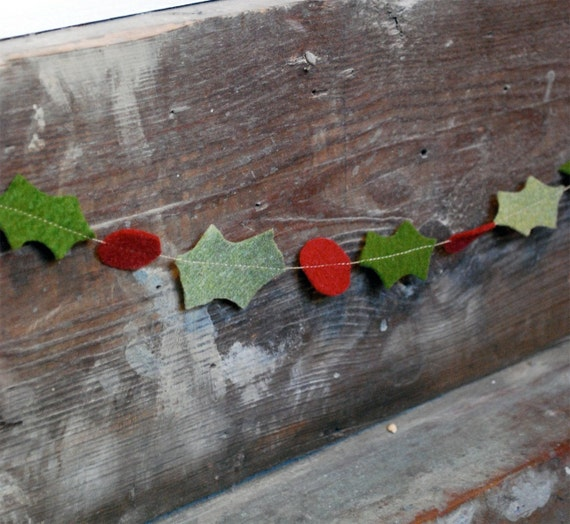 Christmas Garland Felt Holly - Rustic Hand-Cut Leaves and Berries for Home or Party Decor 3 ft