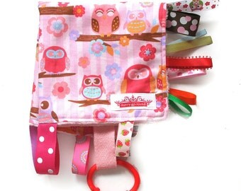Taggy Snuggly MINI TAG TOY Blanket  . Baby Comforter  . Baby Shower / Christmas Gift - Pink Hoot Owls .  Made in Australia