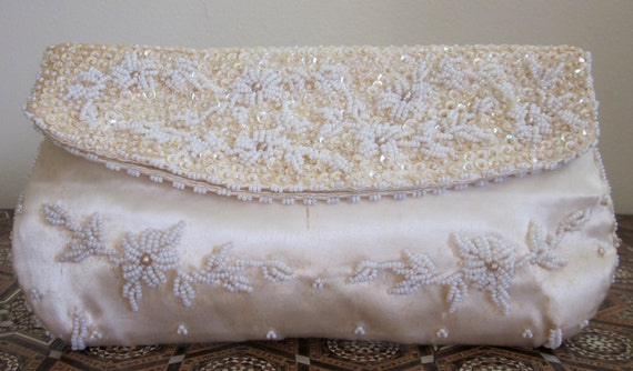 Vintage 1960s/50s White Silk Floral Envelope Clutch Wedding Formal Bag Hand Beaded in Hong Kong Mad Men Pan Am Glamour Jackie Kennedy Style