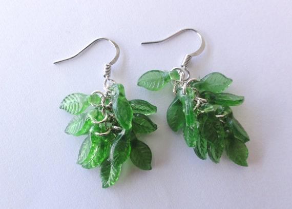 Green leaves dangle earrings