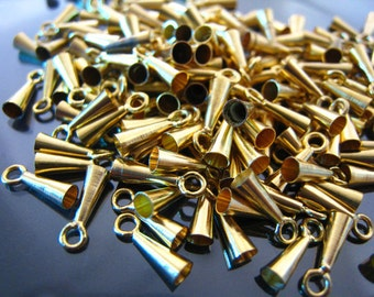 Finding - 40  pcs Gold Mini Triangle Oval Shaped Clamp 10mm x 3mm