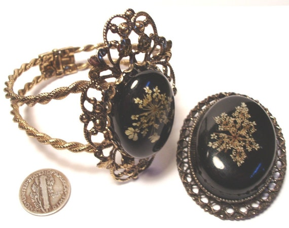 Vintage Bracelet and Pin Pendant Set Lucite with Dried Real Flowers Inside Hinged Cuff 1960