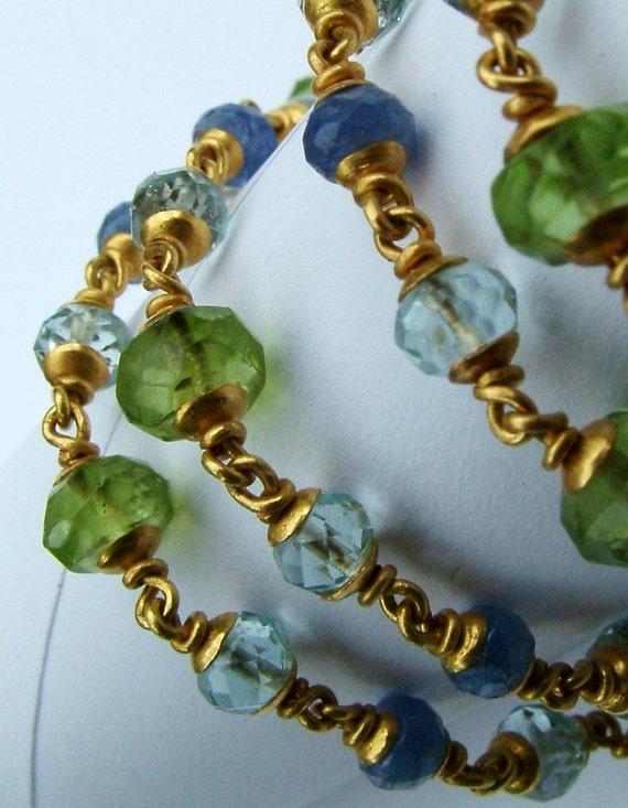 22k gold peridot aquamarine Ceylon sapphire necklace...